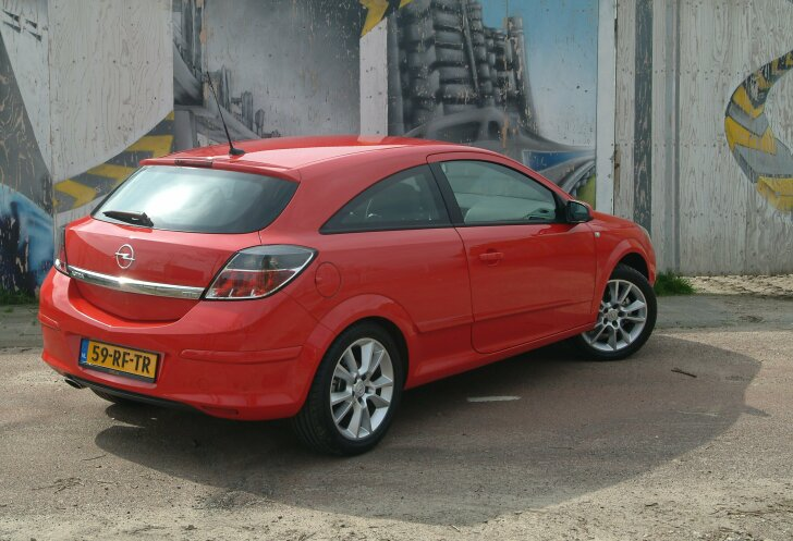 Autozine Review Vauxhall Astra Gtc 2005 2011