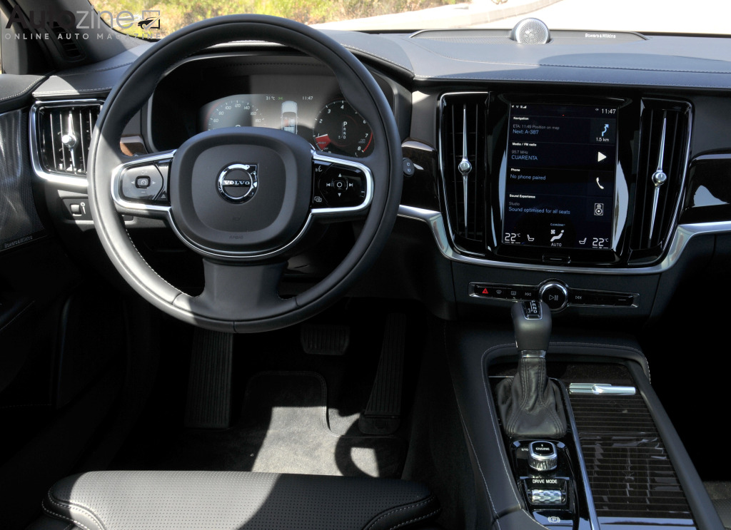 Autozine - photos: Volvo V90 (11 / 12)